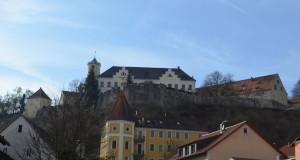 Het slot is nu mooi te zien vanuit het dorp