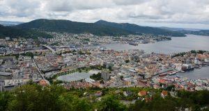noorwegen-bergen-uitzicht